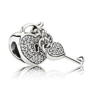 Pavé Padlock Heart & Key Charm 791429CZ